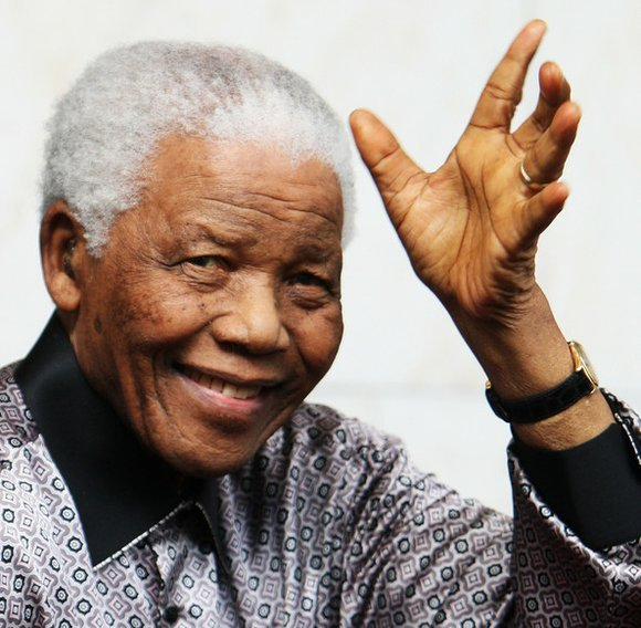 nelson-mandela_waves goodbye