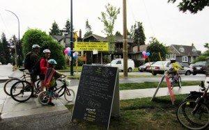 Seaside Greenway Family Cycling - Average Joe Cyclist