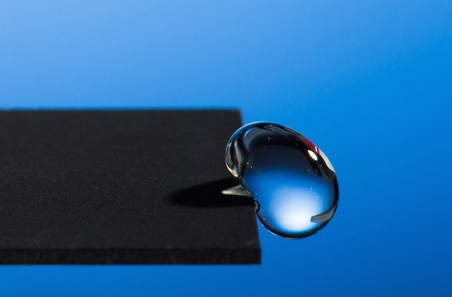 Hydrophobic material repels water