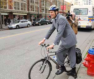 "Media response to Hornby bike lane makes me reconsider my opinion of Canada's ""Free Press"""