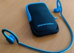 JayBird Bluetooth Headphones vs Plantronics Bluetooth Headphones - Plantronics come with a soft neoprene carry case