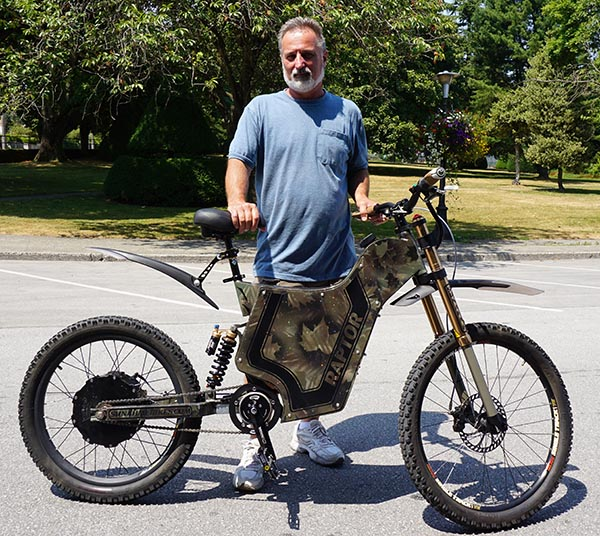 Don shows off the Raptor model - Sunahme Electric Bikes