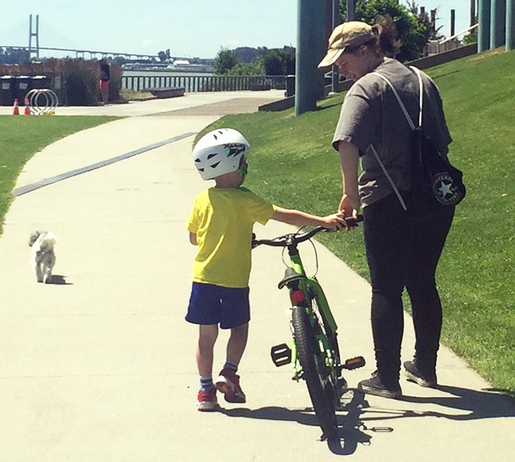 How to Teach a Child to Ride a Bike | REI Expert Advice